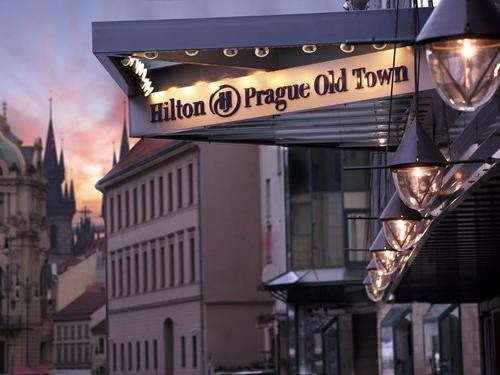 Hilton Prague Old Town s restaurací Zinc Lounge & Bar