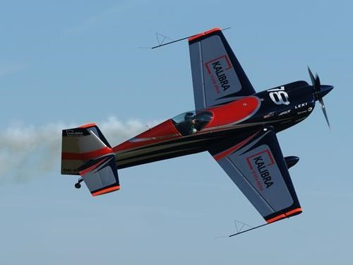 Pilot Red Bull Air Race a EXTRA 330 SC