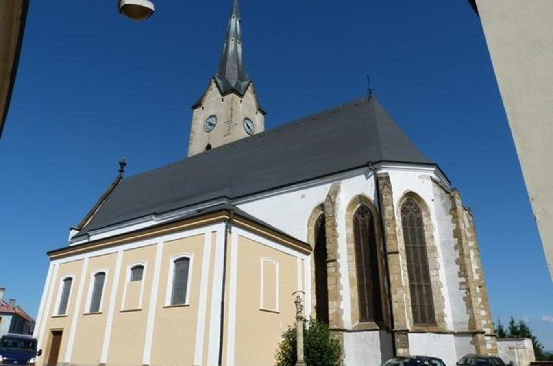 Kostely a kaple
