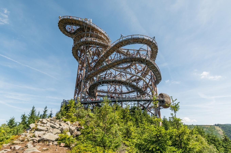 Výsledok vyhľadávania obrázkov pre dopyt kudy z nudy Stezka v oblacích Dolní Morava