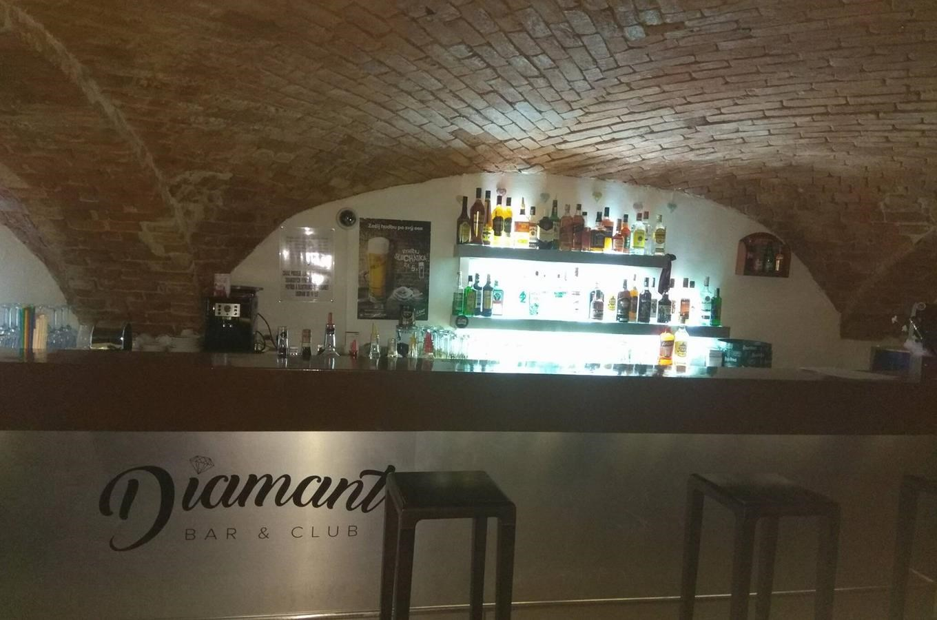 Diamant bar & club