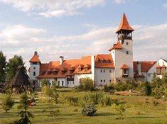 Už jste navštívili zbrusu nový středověký hrad?