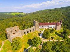 Výlet po stopách Svatební košile a k chatě Jana Wericha do Velhartic