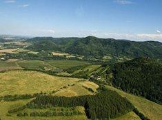 Doupovské hory s tajemnými Skalkami skřítků