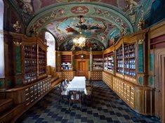 Historická barokní lékárna v Letovicích