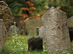 Starý židovský hřbitov v Praze - nejzachovalejší hřbitov svého druhu v Evropě