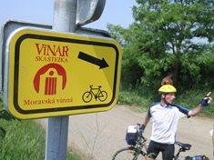 Na kole, koni, pěšky nebo in-line bruslích po Moravských vinařských stezkách