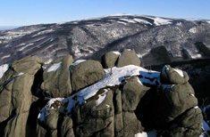 Frýdlantské cimbuří - skalní vyhlídka nedaleko Hejnic