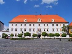 Městské muzeum Týn nad Vltavou s expozicí vltavínů