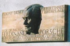 Rodný dům Ferdinanda Porsche - nejúžasnější příběh automobilové historie