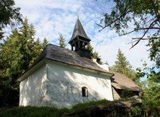 Městys Strážný s kaplí Panny Marie Pomocné