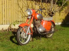 Výlety na historických motocyklech Jawa a ČZ