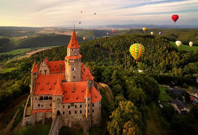 100 hradov, ktoré stojí za to vidieť v Českej republike