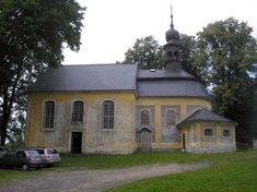 Kostel Panny Marie Sněžné - místo s dalekým rozhledem na České Švýcarsko